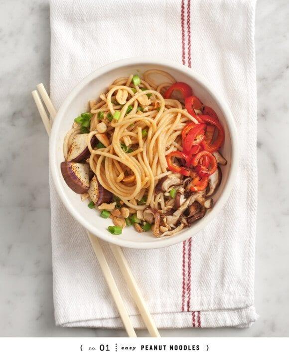 easy peanut noodles / loveandlemons.com