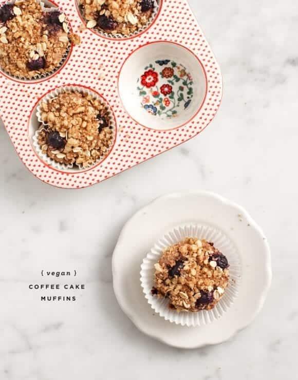 vegan coffee cake muffins / loveandlemons.com