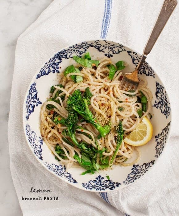 Lemon Broccoli Pasta (vegan & gluten free) / loveandlemons.com