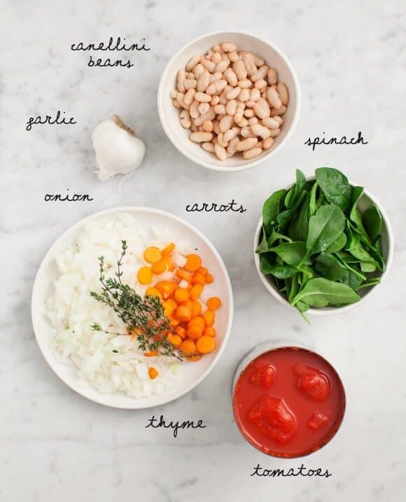 奶油白色豆和番茄汤(素食)