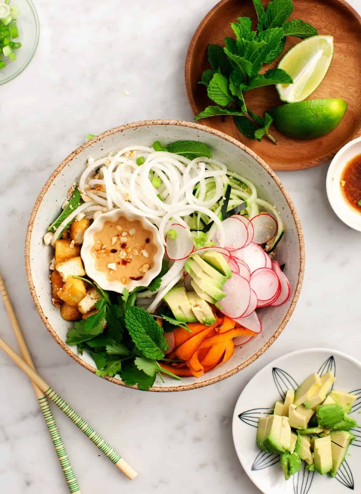 Spiralized Daikon Noodle Bowl