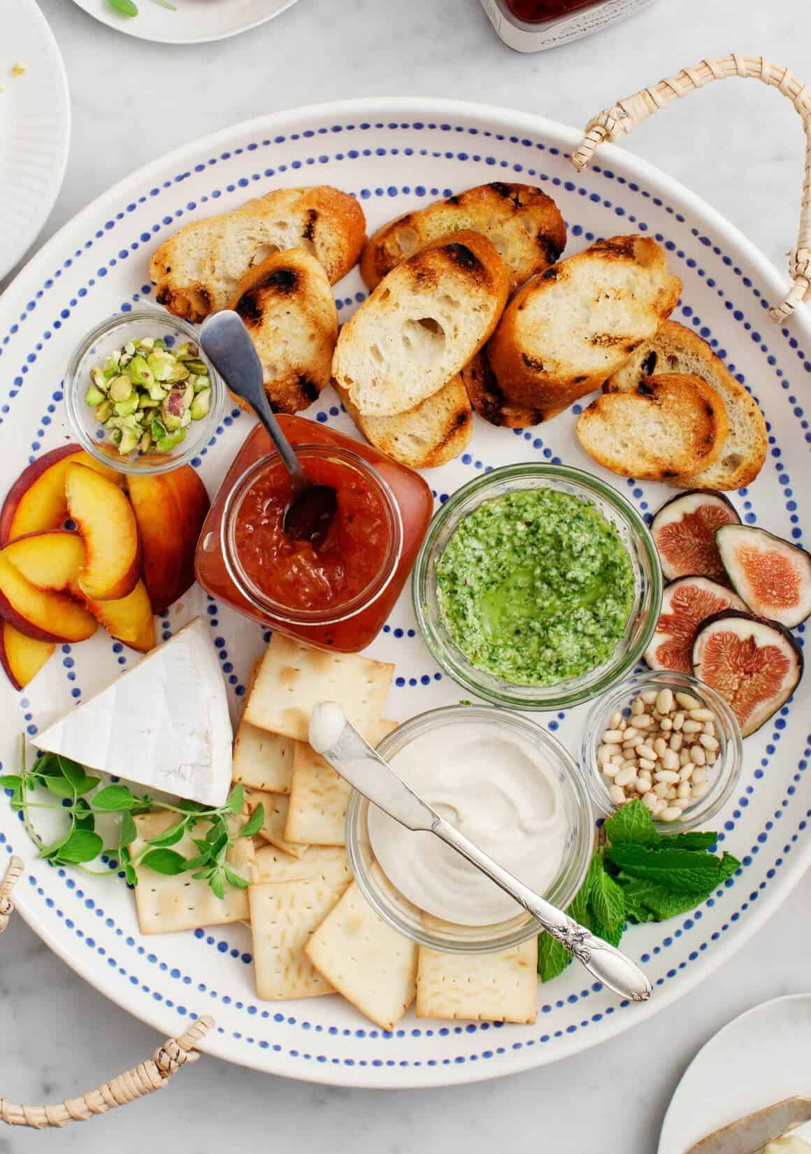 Crostini platter with toppings