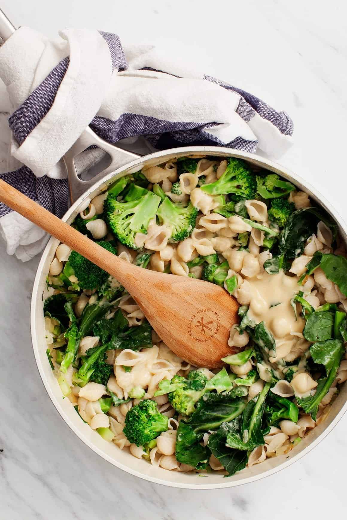 Creamy White Bean Shells with Broccoli
