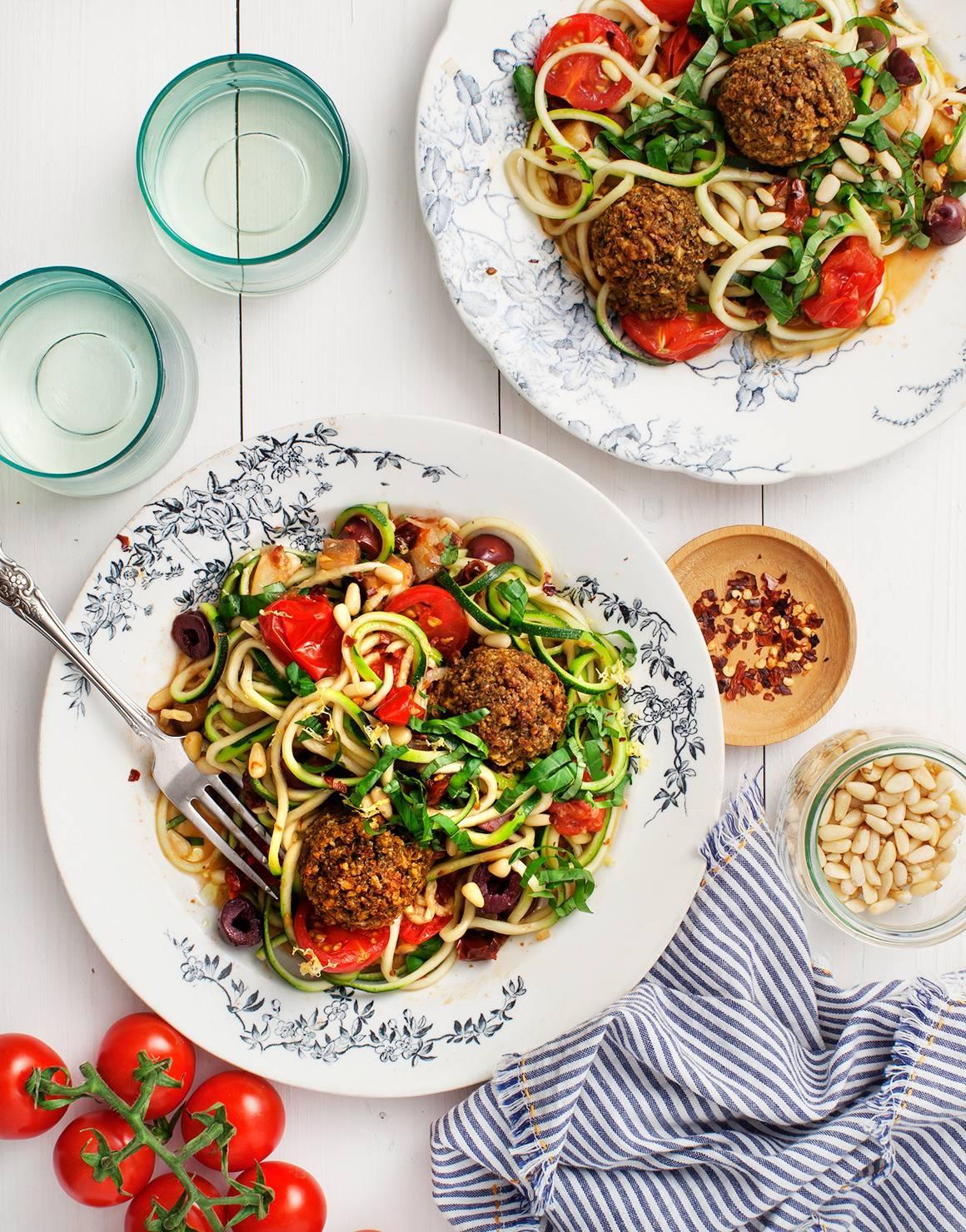Zucchini noodle bowl