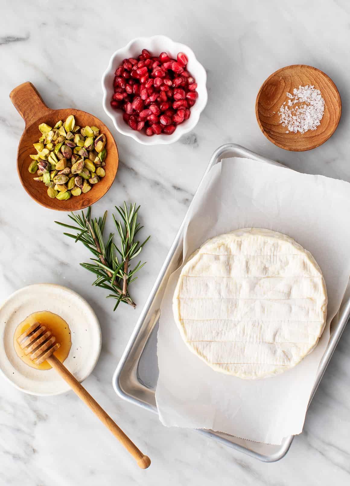 Baked brie recipe ingredients